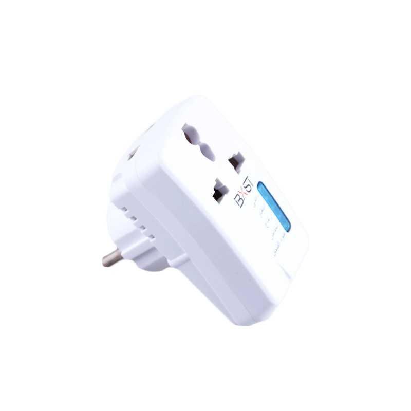 Adaptor pentru priza Universal cu functie de protectie a electronicelor/electrocasnicelor cu iluminare LED Alb